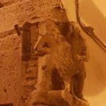 Scultura all'angolo di Palazzo Cardoli
